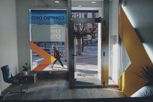 Interior Tienda Quickgold Gijón